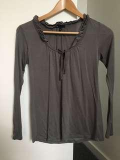 Gap women's grey long sleeve top with frill detail S
