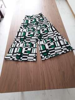 Palazzo pants in retro design. Spandex stretchable