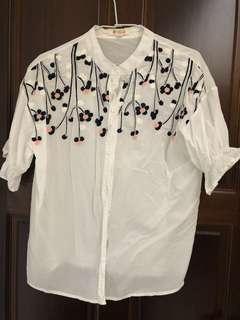 刺繡泡泡袖襯衫