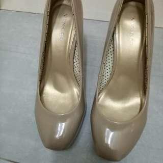 Vincci high heel