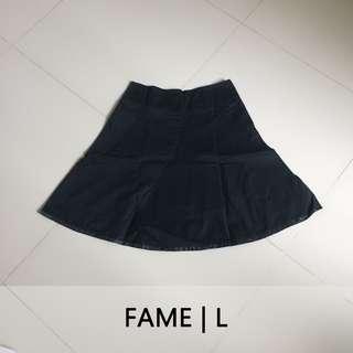 FAME Midi Flare Skirt Hitam | Rok Kerja Flare Selutut