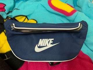 🚚 Nike 藍色腰包