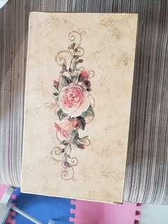 一個玫瑰宮廷式 tissue box
