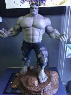Number 1 of 5000 Marvel diamond select hulk grey edition