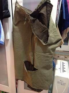 女裝裙,全新,未洗過,見靚而買。急賣,因為要清屋,但唔捨得掉走。