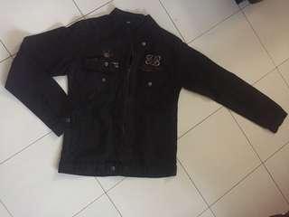 Jaket hitam perempuan Preloved