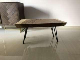 Suar wood side table with hair pin leg