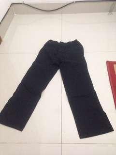 Celana panjang hitam anak