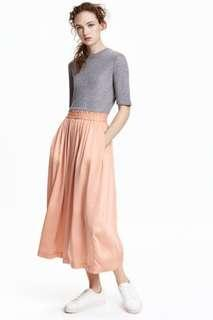 H&M Peach Beige Satin Silky Flowy High Waisted Culottes Cropped Wide Leg Trousers