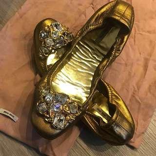 [清鞋櫃]Miu Miu 金色閃石魷魚鞋 Jewel crystal embellished flats