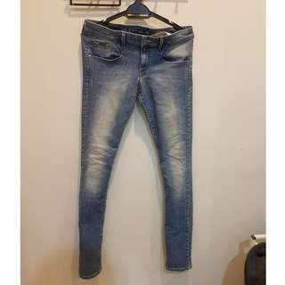 CNY DEALS GUESS SLIM JEANS SIZE 34
