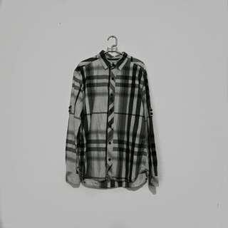 BOMBBOOGIE Basic Black And Grey Plaid Shirt
