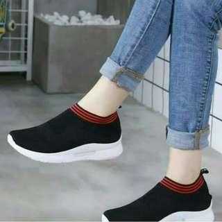 sepatu sneakers kets sport casual wanita // wedges flatshoes heels hak tahu slipon sandal slip on white shoes // fila adidas nike vans offwhite allstar converse cewek // blouse