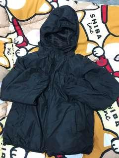 防風 防水 褸 內有毛毛 有㡌 㚈套 Uniqlo black jacket with hat