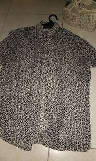 Mango leoard blouse