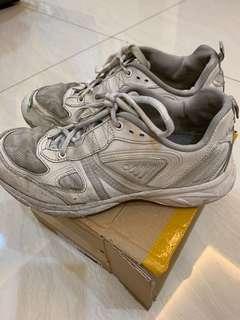 🚚 2手26、5鞋