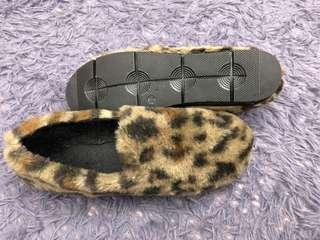 豹紋毛毛輕便鞋