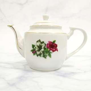 1960s New old stock Kangkung Gold Lining tea pot