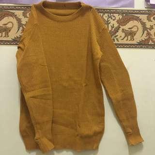 Sweater kuning mustard