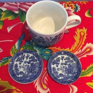 Willow pattern plates and cup