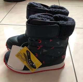 🚚 全新Reebok 童靴19cm