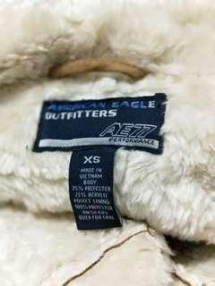 🚚 american eagle outfitters麂皮外套