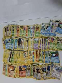 100 Pokemon 2000s era english cards bundle