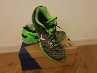 VICTOR S81 Top End Badminton Shoe (Wore once)