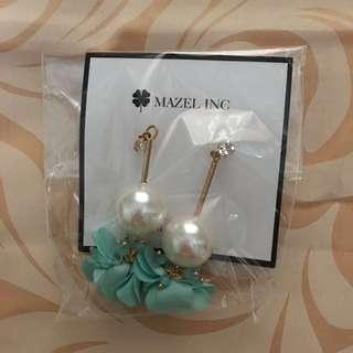 Mazel Pearl Earrings