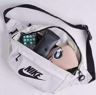 NIKE TECH HIP PACK