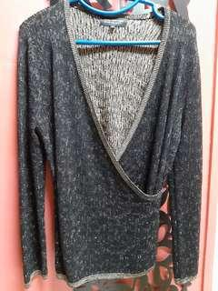KNITTED BLACK GOLD TOP