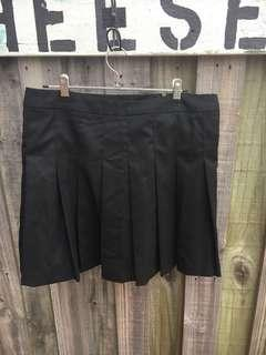 Glassons pleated skirt