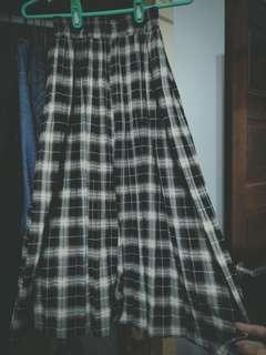 🚚 Sassy格紋百折雪紡長裙