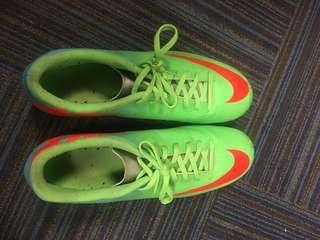 🚚 Original Nike Mercurial Football boots (Adult size)
