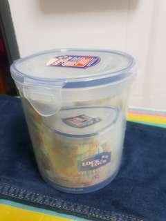 🆕️ Lock & Lock BPA Free stackable airtight container - 1.4L