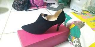 Sepatu Vicari Hitam