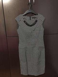 Dress with necklace in black and white
