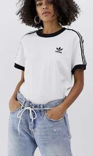 🚚 White Adidas three 3 stripes oversized tee