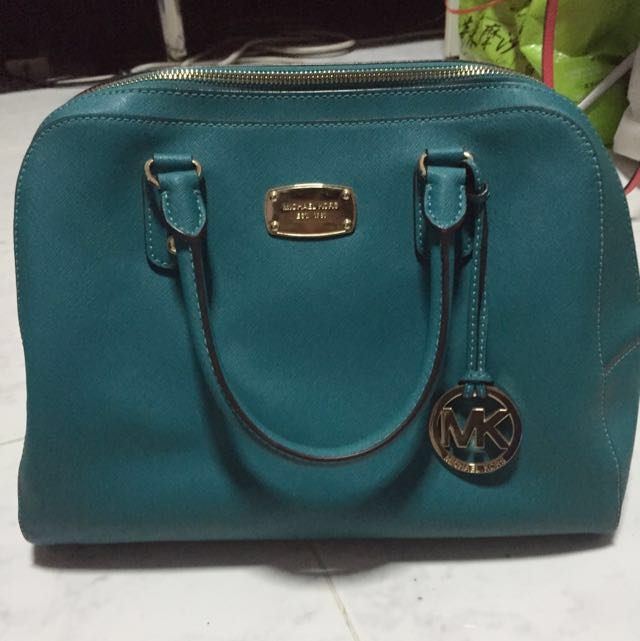 d8865ea78f81 Authentic Michael Kors Bag(price Reduced)