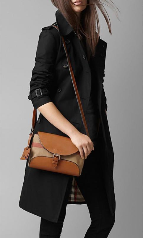 Burberry Henham Small Crossbody Bag (Ready Stock) 0b7f82aee