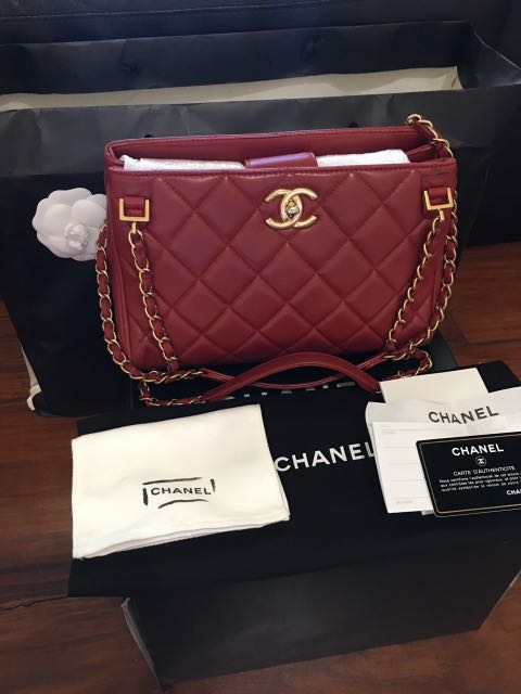 daef5a50a13f Chanel dark red quilted lambskin with gold hardware, Women's Fashion ...