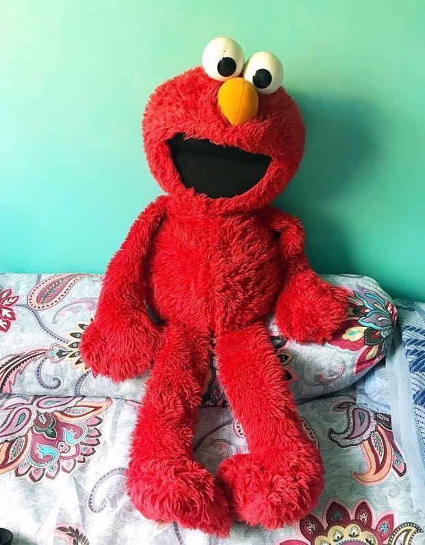 Cny Sale Giant Elmo Soft Toy Toys Games Stuffed Toys On Carousell