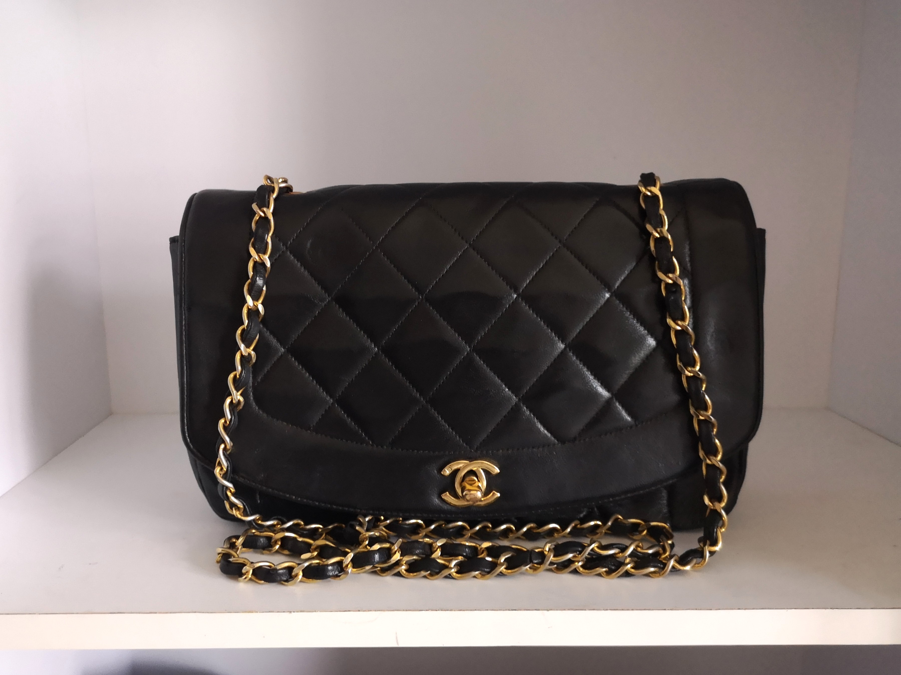 0dc006fa67ca Full Set LN Chanel Diana Flap, Luxury, Bags & Wallets, Handbags on Carousell