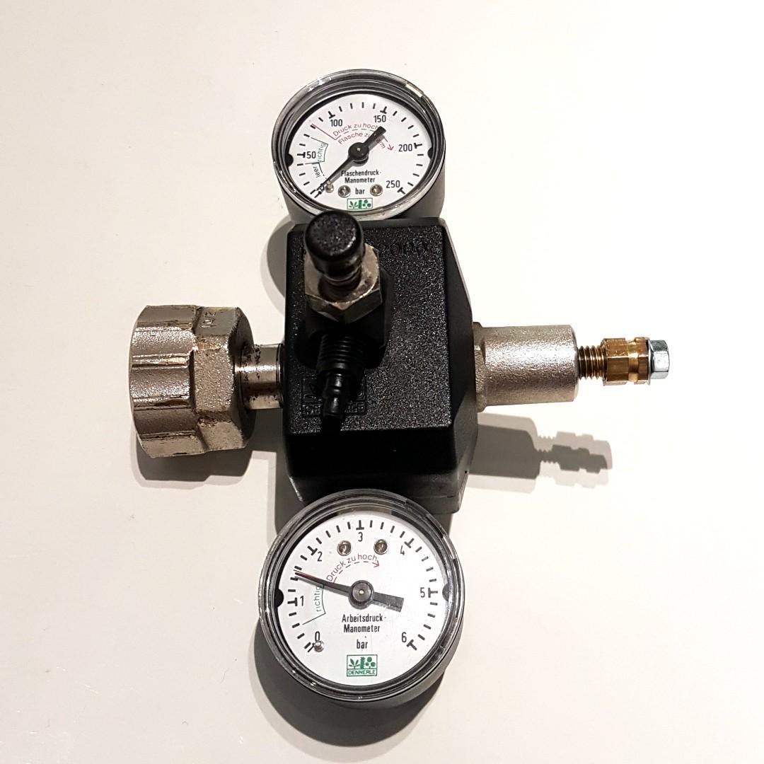 Dennerle Profi 2000 CO2 Regulator with needle Valve, Pet