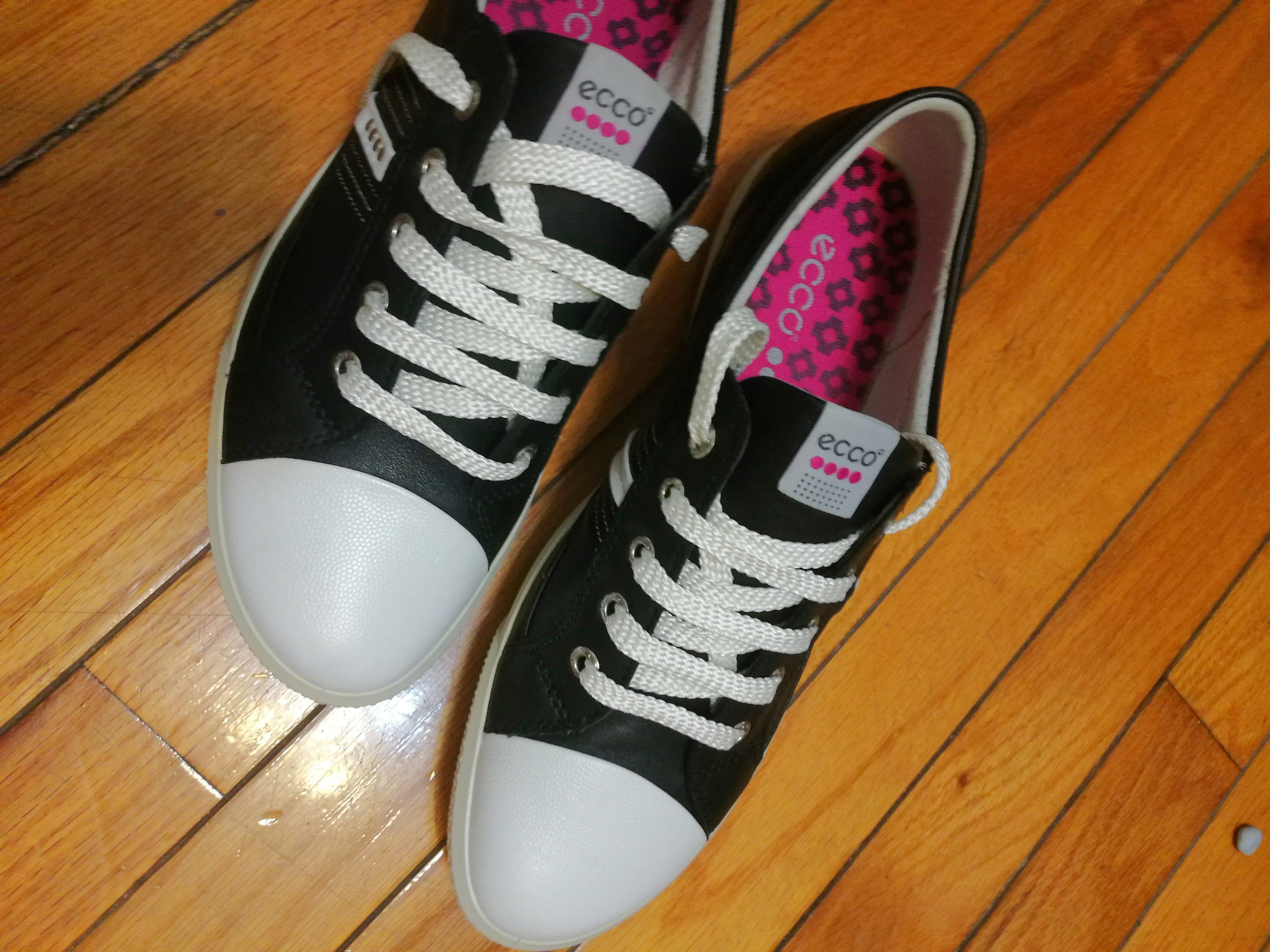 ECCO休閒鞋