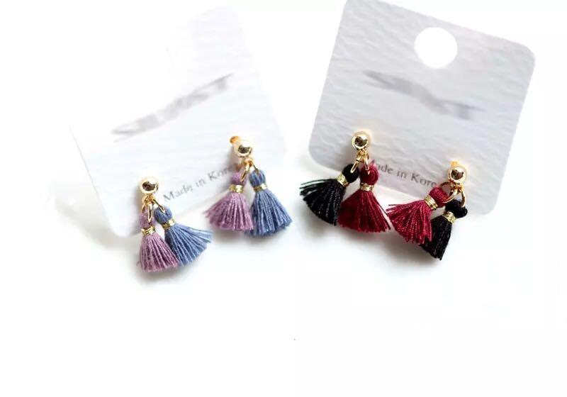 imported from Korea. 925 silver needle. Mini temperament two-tone tassel earrings.