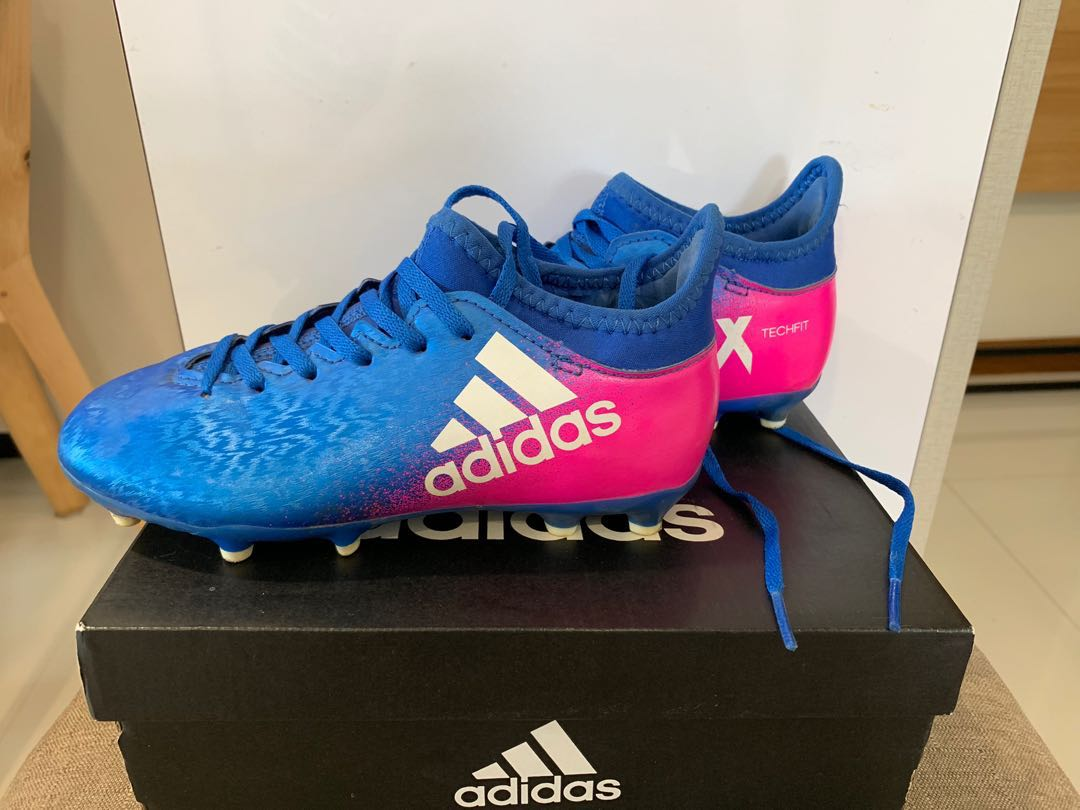 0a7a06767 Junior Kids Adidas Soccer Boots - Size UK12k