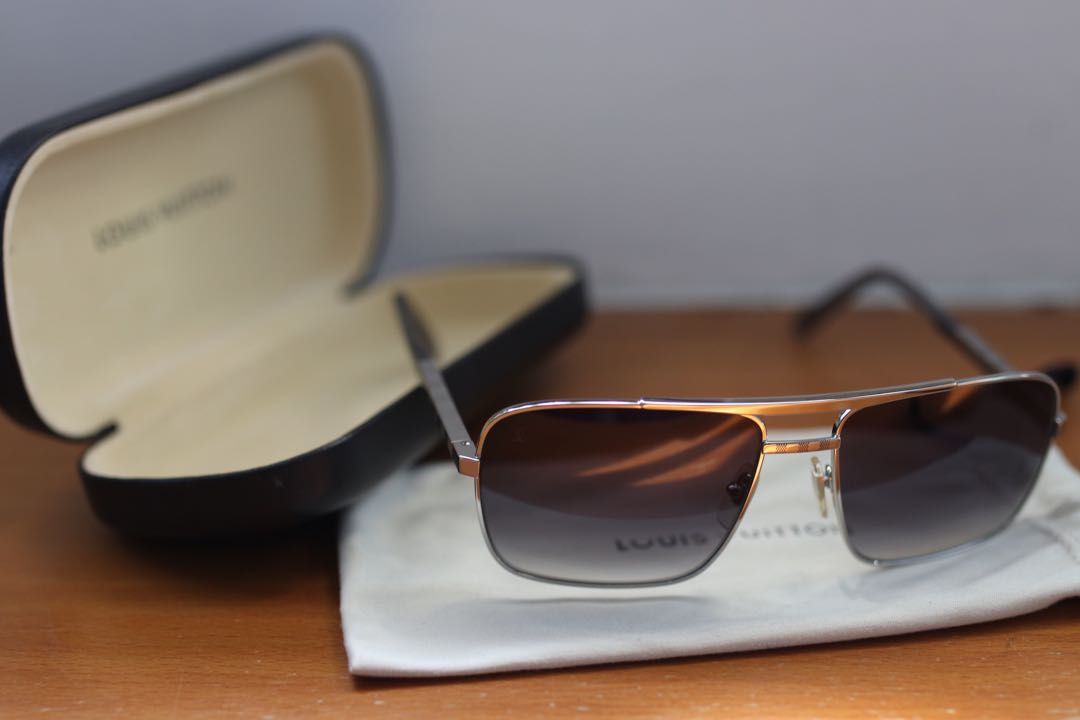 3698558837 LV Sunglasses