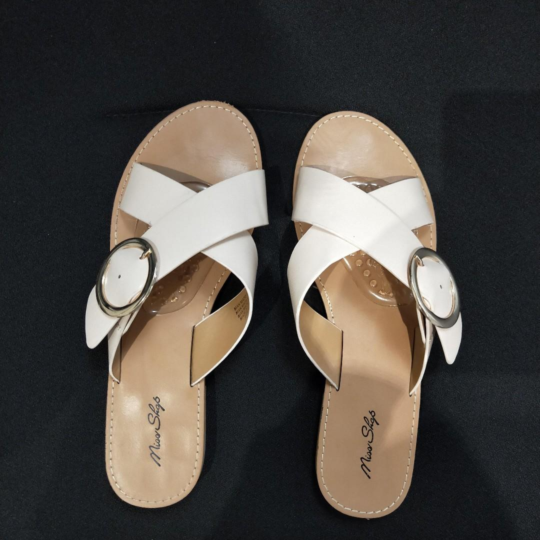"**PRICE DROP** Myer Miss Shop ""Lia"" Nude Blush Beige Crossover Buckle Flat Sandals Sz 10"