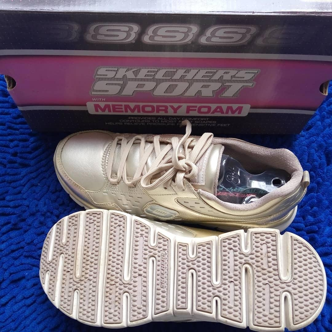 Skechers sport Gold 38.5